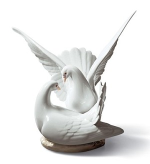 "LLADRO ""LOVE NEST""  DOVES"